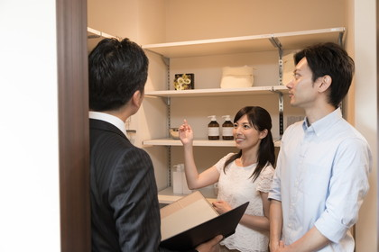 キッチンにパントリーをつくるメリット・デメリット。収納や間取りの考え方